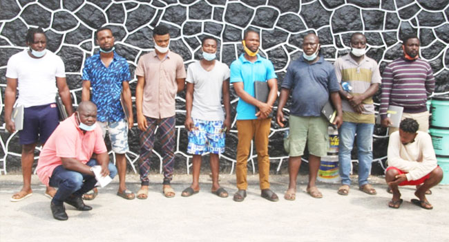EFCC Operatives Arrest 10 Suspected Internet Fraudsters In Lagos